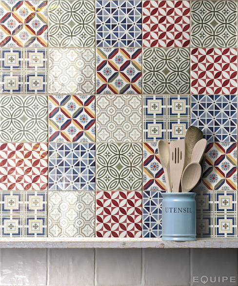 Mediterranean style kitchen by Equipe Ceramicas Mediterranean Tiles