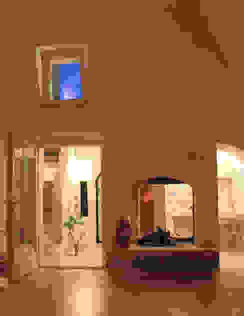 Via Chiesa 5 Soggiorno in stile mediterraneo di Studio Ricciardi Architetti Mediterraneo