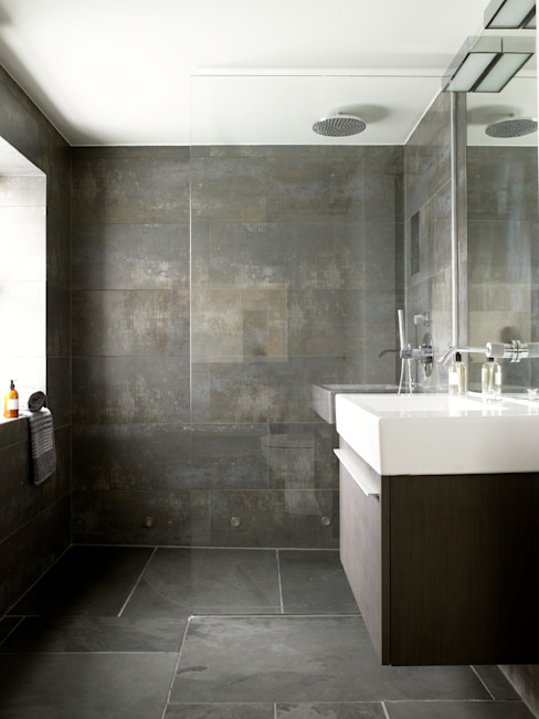 Battersea Eclectic style bathrooms by LEIVARS Eclectic
