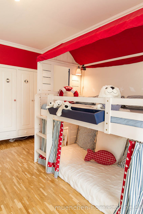Nursery/kid's room by Münchner HOME STAGING Agentur