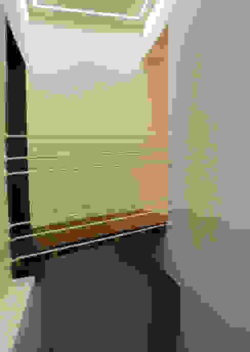 Ryoga_passerella Sedi per eventi moderne di laboratorio di architettura - gianfranco mangiarotti Moderno