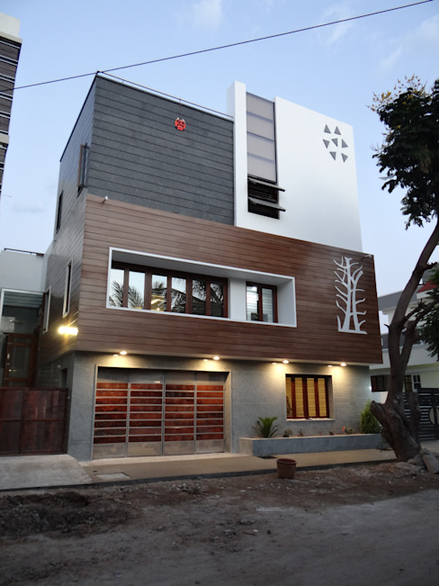 West Elevation Modern houses by Hasta architects Modern