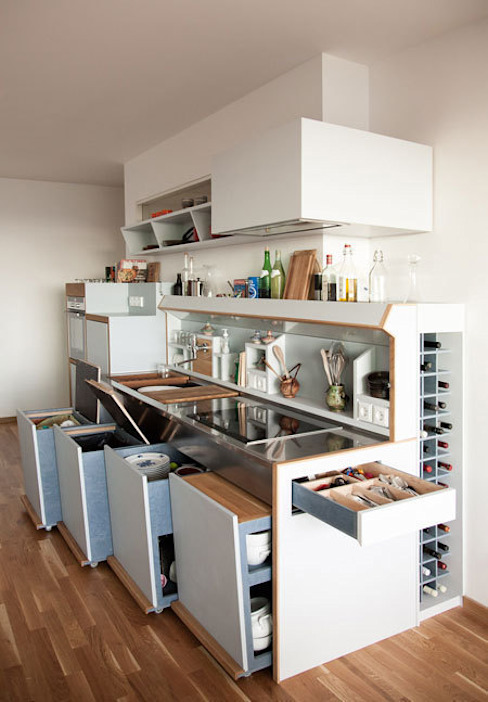 Kitchen by studio andree weissert,
