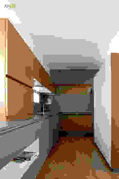 Cocinas de estilo ecléctico de amBau Gestion y Proyectos Ecléctico