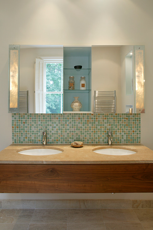 Belsize Park Modern style bathrooms by Hélène Dabrowski Interiors Modern