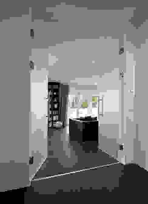Living room by Jesteburger Sonnenhäuser GmbH & Co. KG