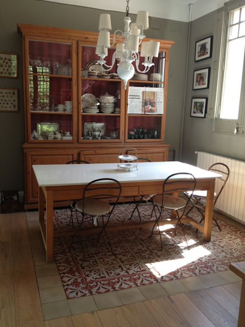 Sala da pranzo in stile mediterraneo di Anticuable.com Mediterraneo