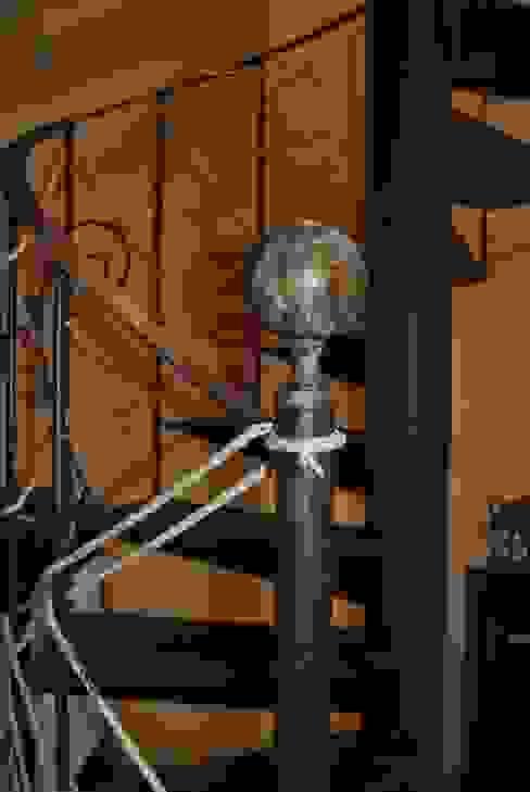 Bola de hierro para remate de una escalera de caracol. de Anticuable.com Mediterráneo