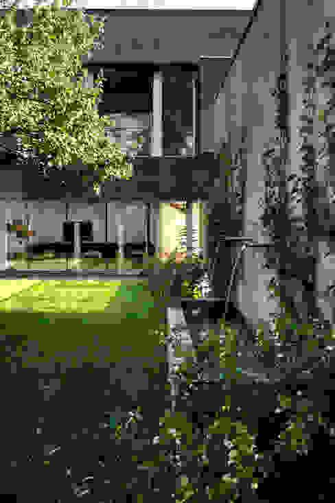 庭院 根據 KWK Promes