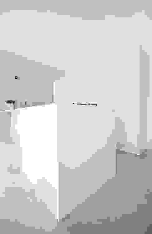 living area | cucina Cucina moderna di francesco valentini architetto Moderno