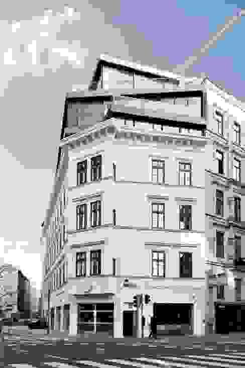 MG9 Modern home by Josef Weichenberger architects + Partner Modern