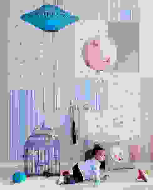 Stanza dei bambini in stile  di Fantasyroom-Wohnträume für Kinder,