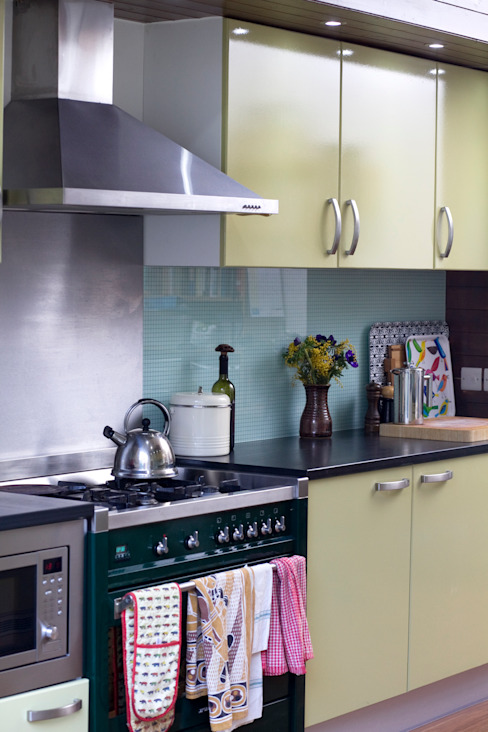 Rowan Ave Eclectic style kitchen by Pride Road Eclectic