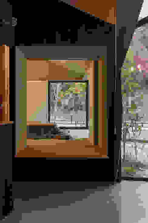 箕面森町の家 オリジナルデザインの 多目的室 の 間工作舎 オリジナル