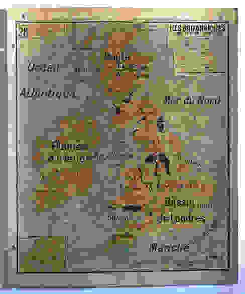 Patina Schulwandkarte Britische Inseln: industriell  von Mi by Mi,Industrial