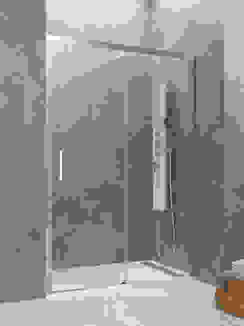Mampara de ducha modelo Aktual 1fijo + 1corredera de MAMPARASYMAS ONLINE, SLU Moderno Vidrio