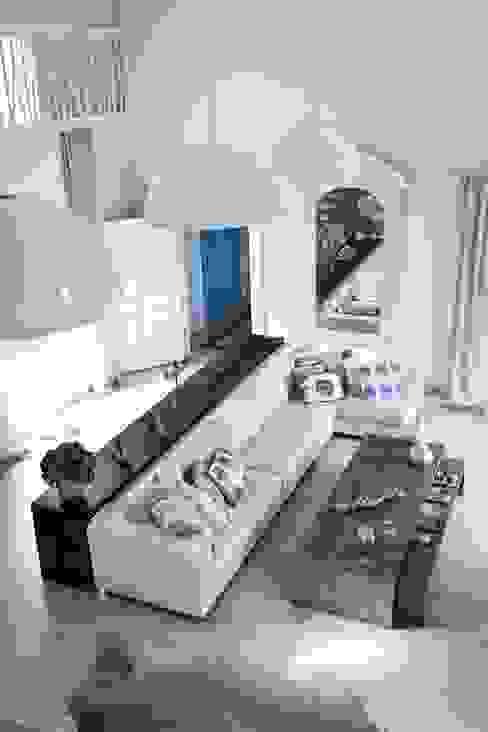 Salas / recibidores de estilo  por EKE Mimarlık, Moderno