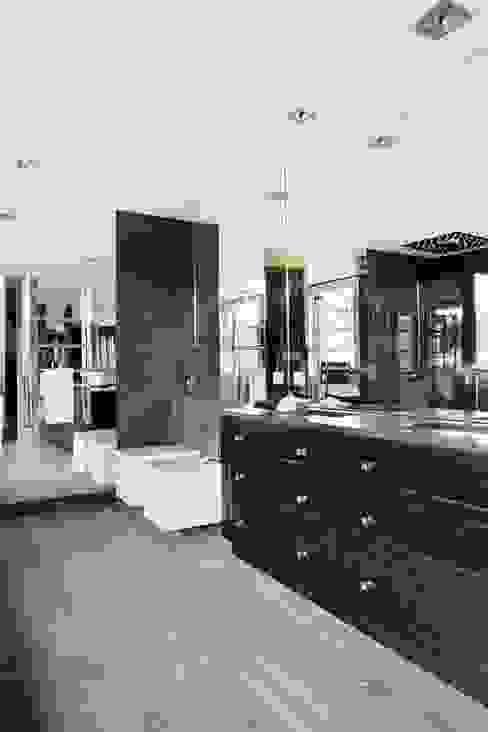 Modern bathroom by Es Parket Modern