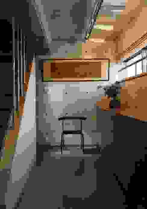 جدران تنفيذ H.Maekawa Architect & Associates,