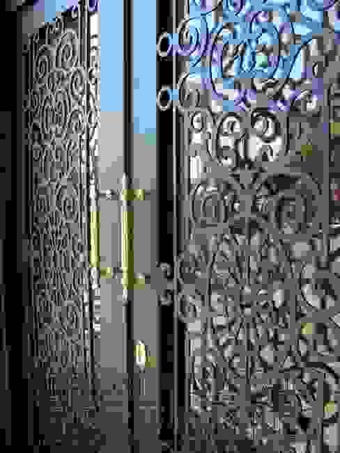 FERFORJE LAZER KESİM BİNA KAPILARI Modern Pencere & Kapılar Teknik Metal Ferforje Modern