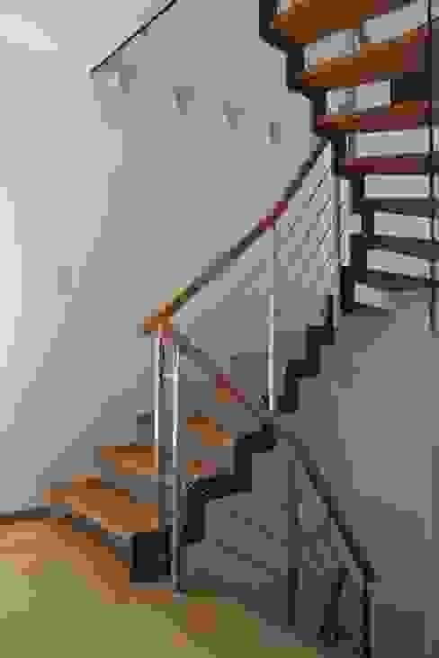 de estilo  por Passion Escaliers, Moderno