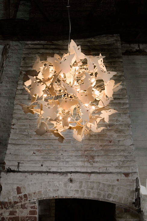 Spring Butterfly Chandelier di homify