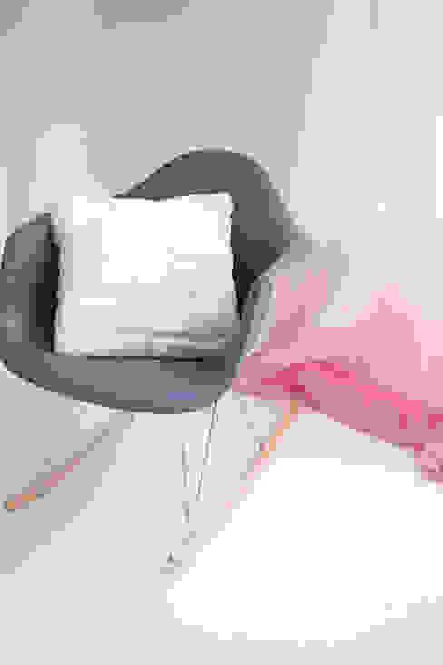 Salones de estilo ecléctico de Sandra Dages Ecléctico