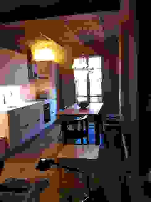 COMEDOR de LLOBET interiors LLOBET interiors Comedores de estilo moderno