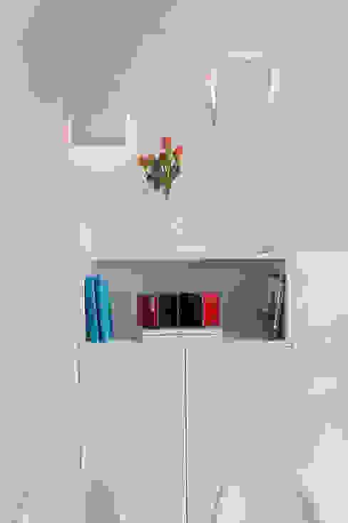 HOUSE FOR HOLIDAYS Soggiorno minimalista di PAOLO FRELLO & PARTNERS Minimalista