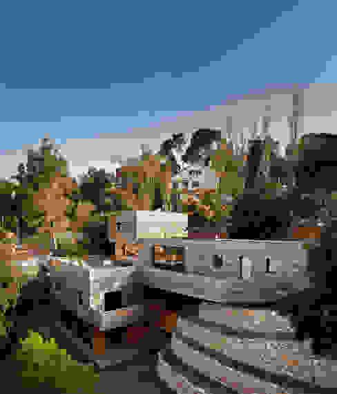 casa en Sant Cugat interiores con morteros de arcilla Casas de estilo moderno de ecoclay Moderno