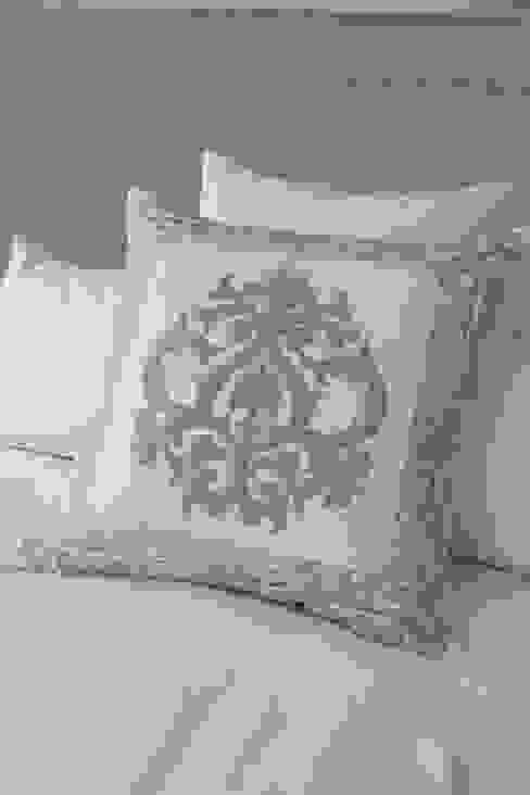 Ankatta od Atelier Textiles Nowoczesny