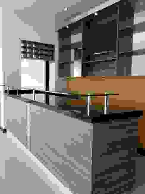 Modern Kitchen by BALDAI MOBILIARIO Modern
