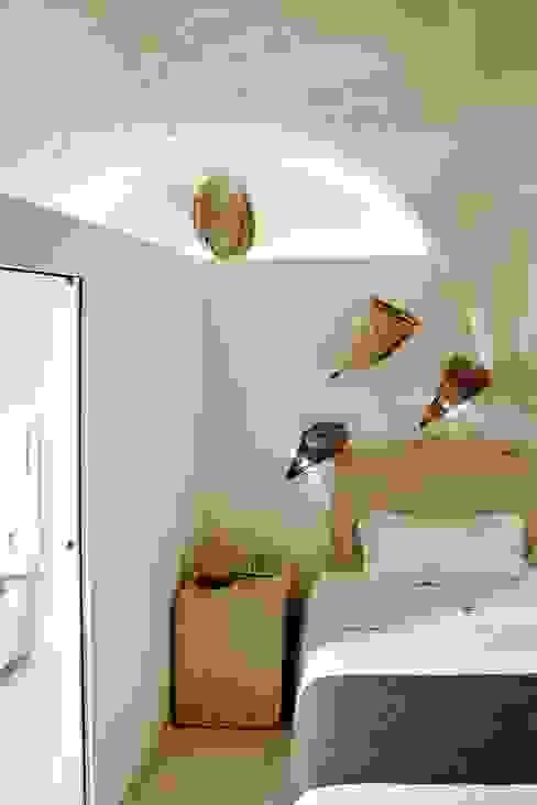 Il claustro_Albergo diffuso Camera da letto in stile mediterraneo di B+P architetti Mediterraneo