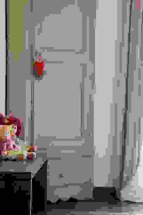 Chambre d'enfant moderne par STUDIO PAOLA FAVRETTO SAGL - INTERIOR DESIGNER Moderne Bois Effet bois