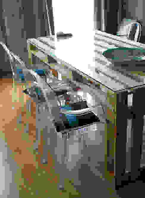 Fabryka Palet 餐廳桌子