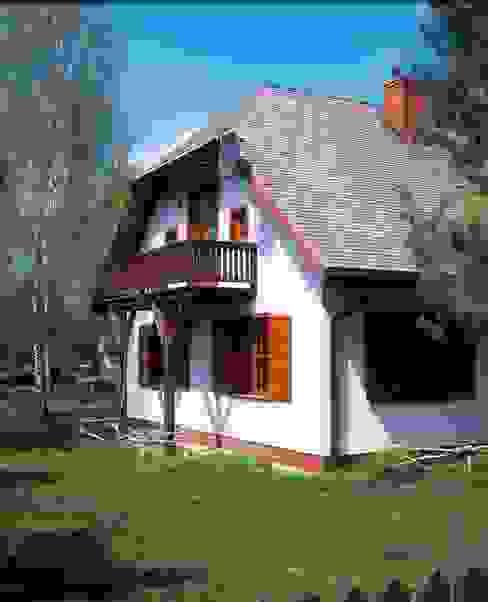 Dom w Hornówku (dom własny) Wiejskie domy od BM-Architekci Wiejski