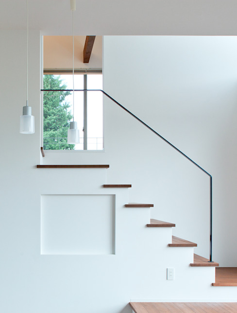 階段 オリジナルスタイルの 玄関&廊下&階段 の 株式会社 mA建築計画工房 オリジナル