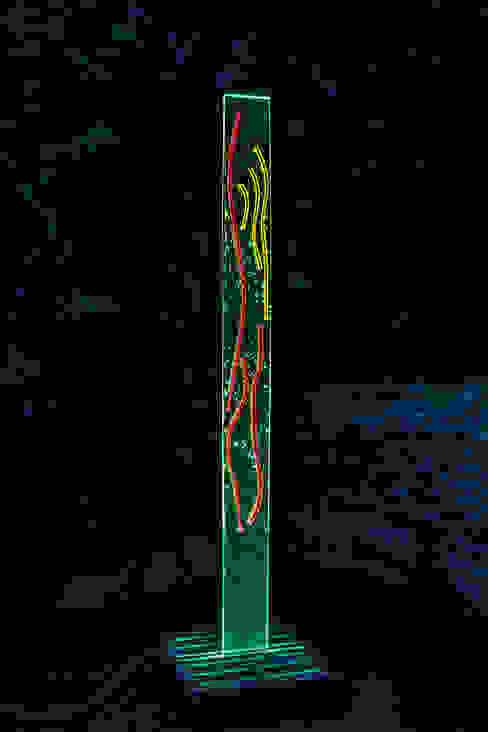 Lichtsäule: modern  von Azur - Kunst&Technik e.U.,Modern