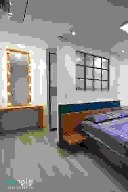 Habitaciones modernas de 디자인투플라이 Moderno