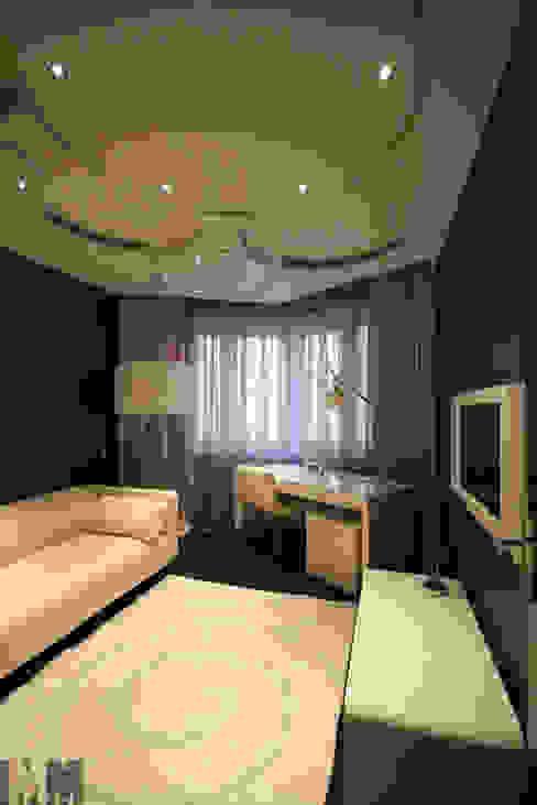 Estudios y oficinas de estilo  por ММ-design, Minimalista