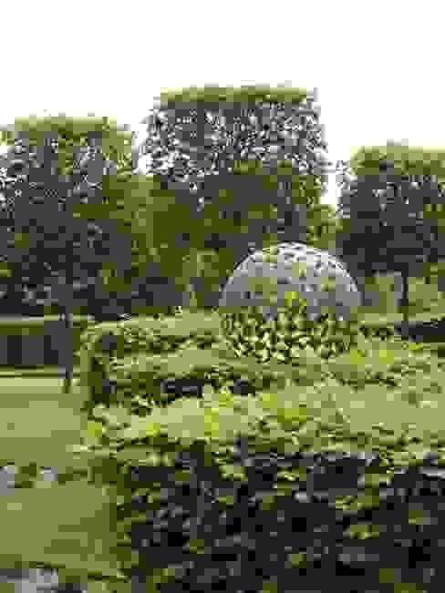 Manor House, Suffolk, UK Deakinlock Garden Design