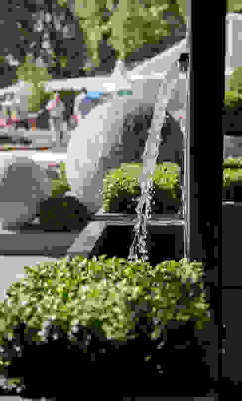 Veneto Fountain: rustic  by A Place In The Garden Ltd., Rustic