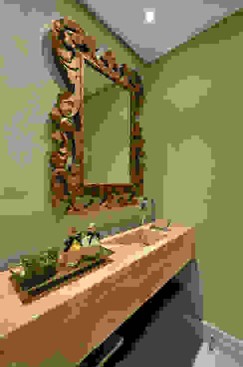 Lavabo S|R Banheiros clássicos por Redecker + Sperb arquitetura e decoração Clássico
