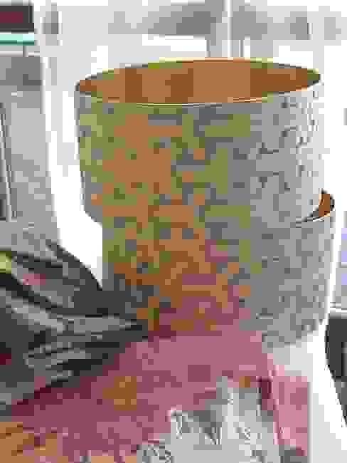 Lampenschirme mit Metalltapete Atelier Winter & Partner Klassische Wohnzimmer Metallic/Silber