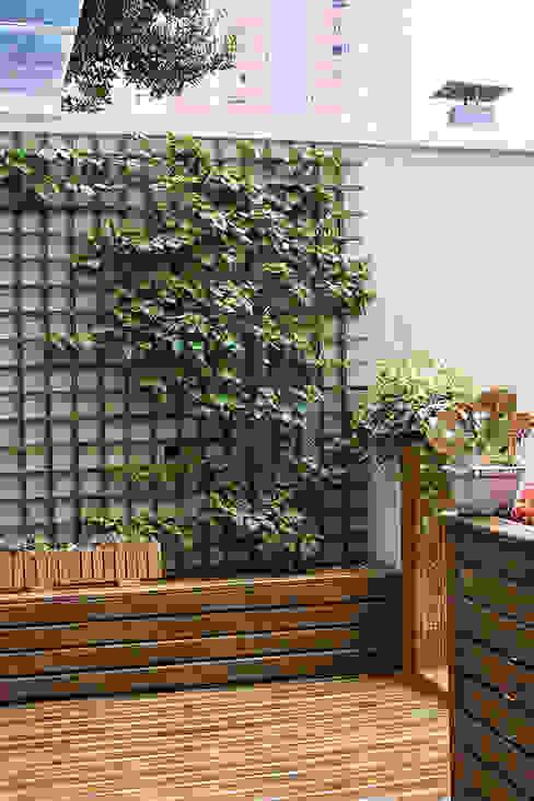 Jardins  por Studio Gorski Arquitetura,