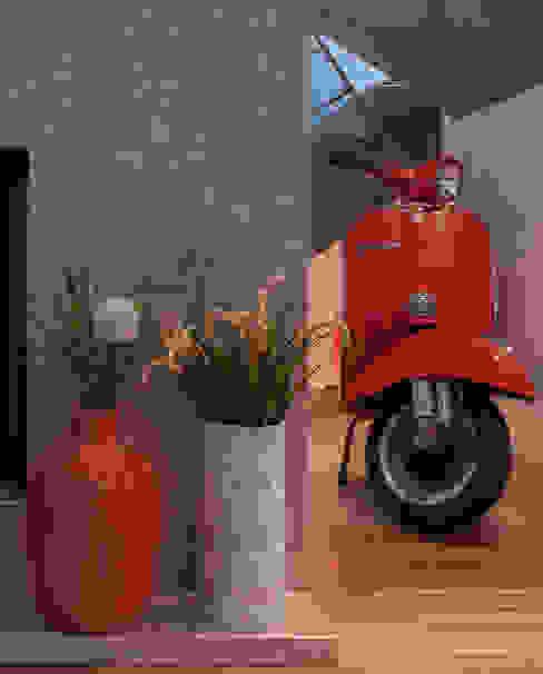 Vespa Mood: Salas de estar  por Ana Rita Soares- Design de Interiores,