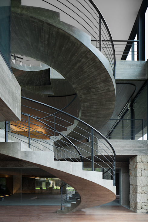 Pasillos y vestíbulos de estilo  por JPL Arquitecto,
