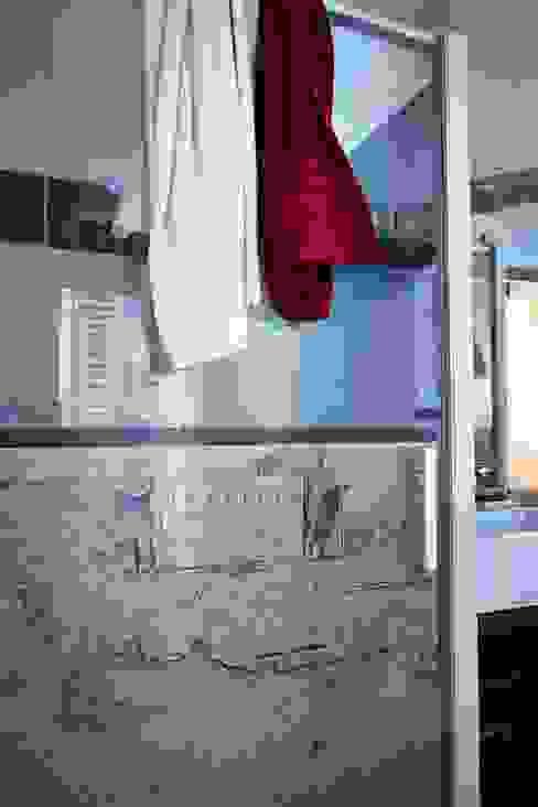 Salle de bain par Soraya Deffar / Un Pretexte Moderne