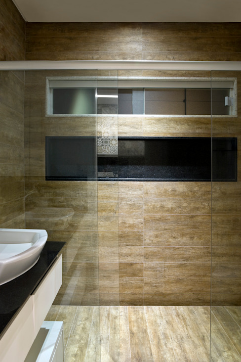 Industrial style bathroom by SAINZ arquitetura Industrial