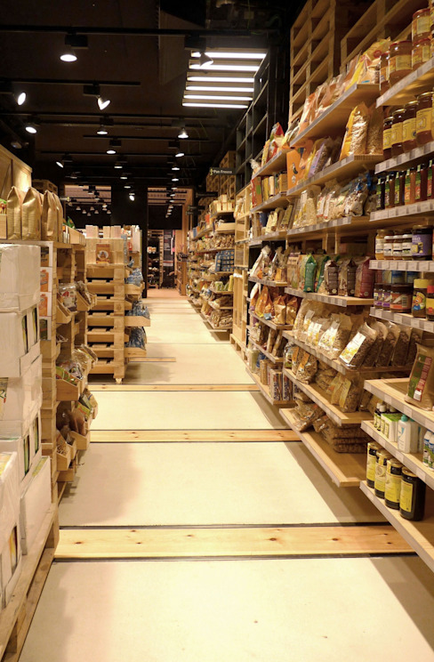 ORGANIC49. Tienda de alimentación ecológica Oficinas y tiendas de estilo industrial de asieracuriola arquitectos en San Sebastian Industrial